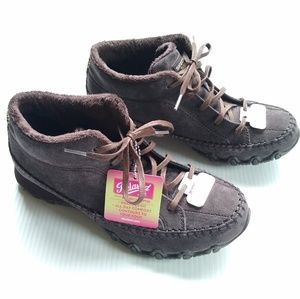 Skechers • memory foam suede leather high top Shoe